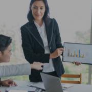 reunião com equipes de trade marketing e comercial